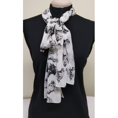 Lightweight scarf patterned horses heads